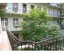 Budapest VI. kerületének a turisták által is nagyon keresett városrészében eladó egy 40 nm-es ingatlan.
